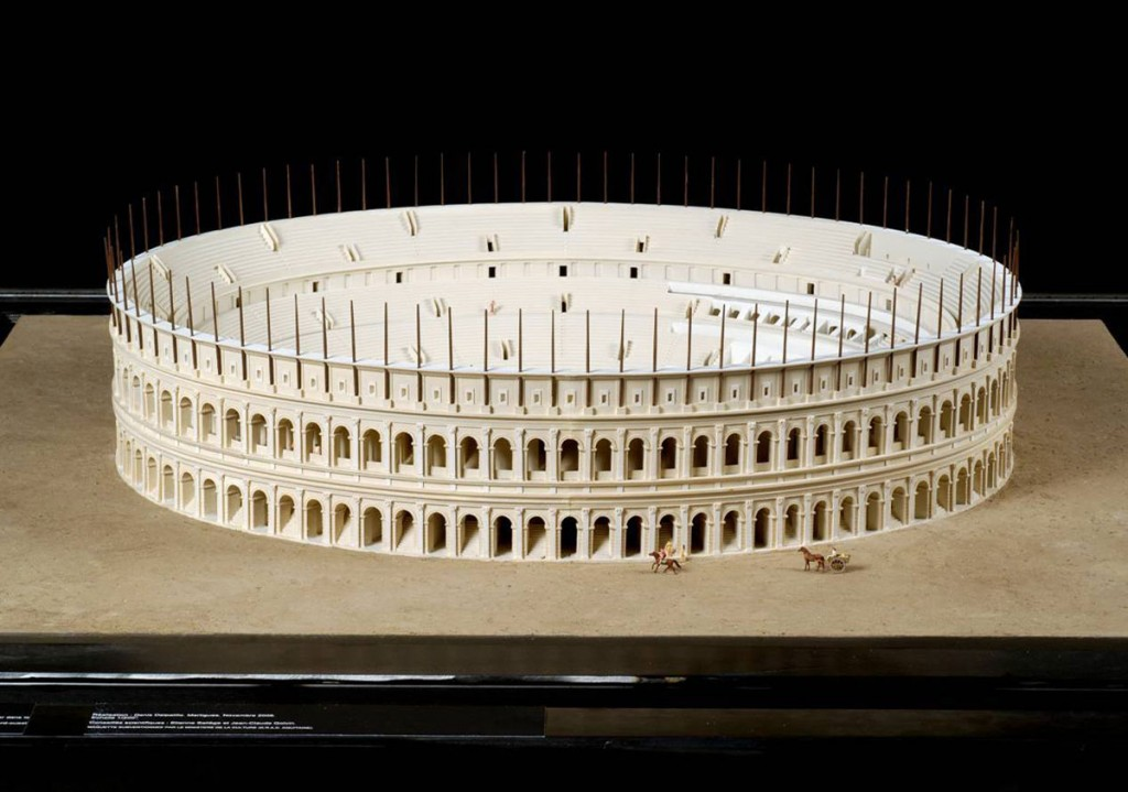 Maquette de l'amphithéâtre, photo Bernard Dupuy